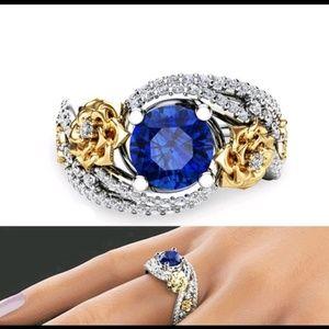Sapphire rhinestone ring size 7